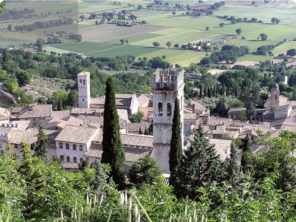 UMBRIA  Incanti medievali - Italia - Umbria